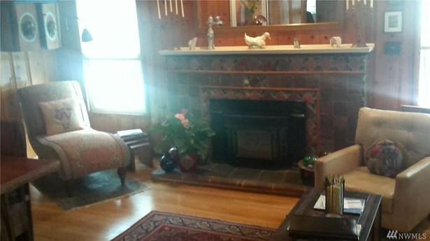 5833 Woodlawn Ave N Main, Seattle, WA - USA (photo 2)
