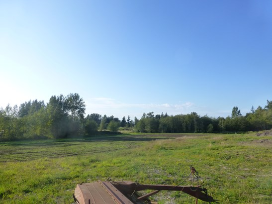 6 acres zoned light industrial ready to build on (photo 5)