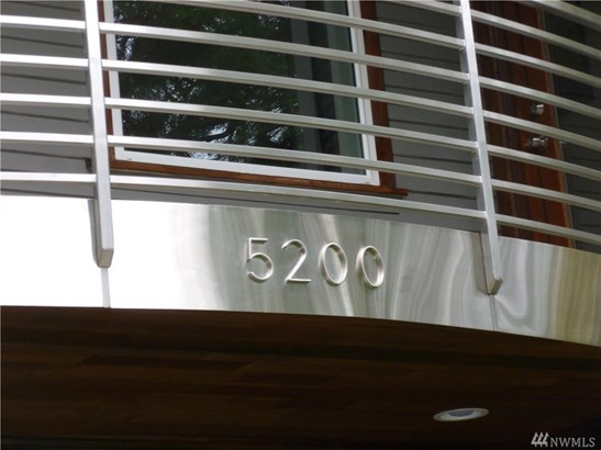 5200 Ne 187th St, Lake Forest Park, WA - USA (photo 2)