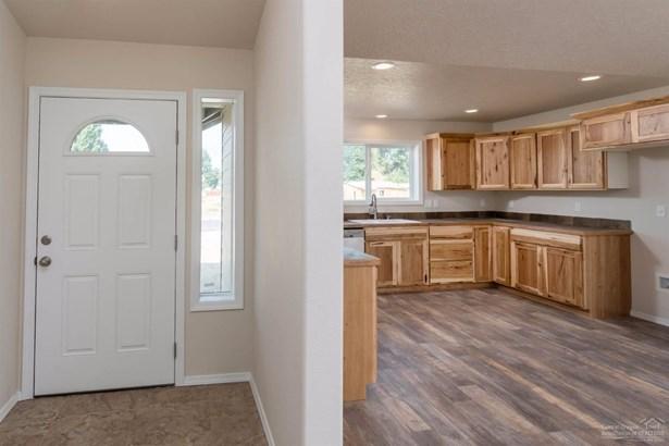 104 Northeast Buena Villa Drive, Prineville, OR - USA (photo 3)
