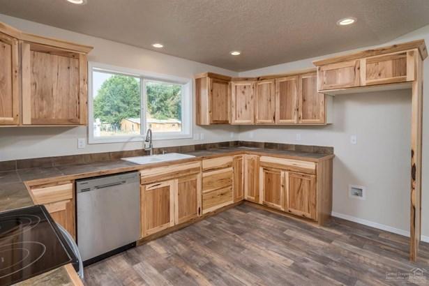 104 Northeast Buena Villa Drive, Prineville, OR - USA (photo 5)