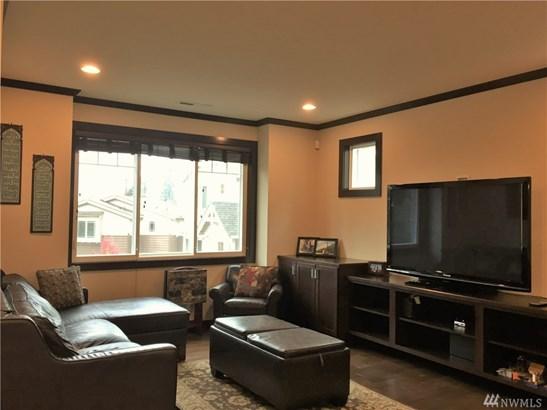 12560 Ne 23rd Place, Bellevue, WA - USA (photo 4)