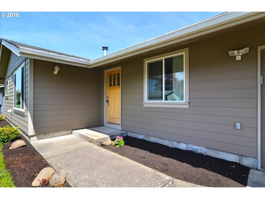 470 Boden St, Junction City, OR - USA (photo 3)