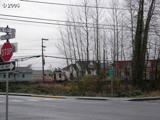 N 15th And St Helens Rd, St. Helens, OR - USA (photo 1)