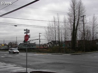 N 15th And St Helens Rd, St. Helens, OR - USA (photo 4)