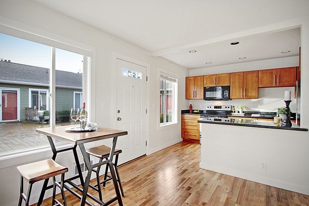 9013 16th Ave SW #6 (photo 5)
