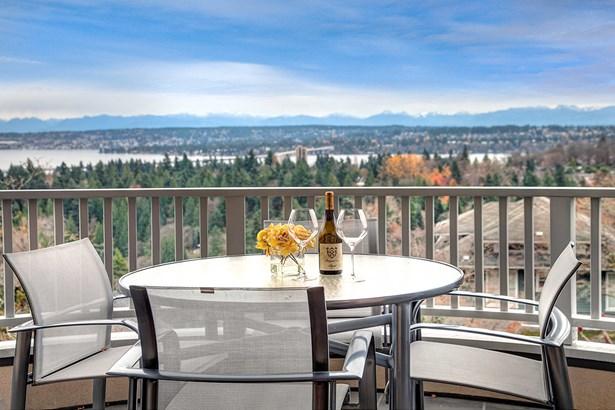 2225 E Highland Dr, Seattle, WA - USA (photo 2)