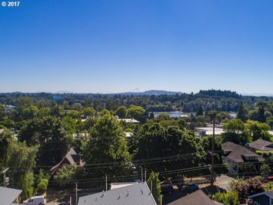 Sw Virginia Pl 6, Portland, OR - USA (photo 4)