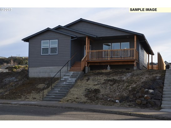 1428 E 11th St, The Dalles, OR - USA (photo 1)