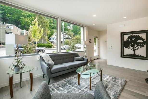 4131 Chilberg Ave Sw, Seattle, WA - USA (photo 4)