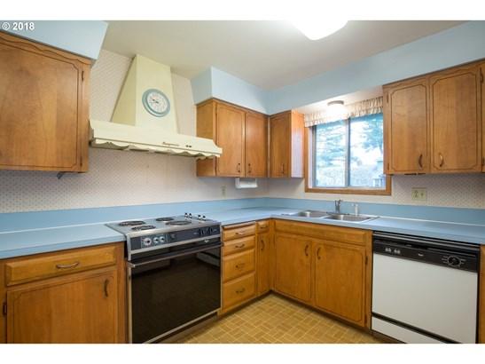 8125 Sw 89th Ave, Portland, OR - USA (photo 2)