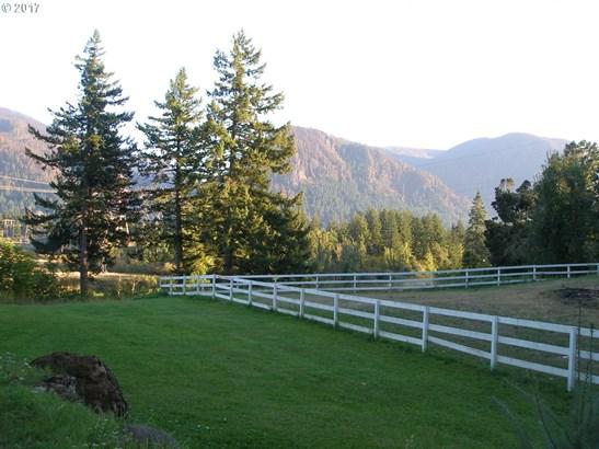E Cascade, North Bonneville, WA - USA (photo 1)