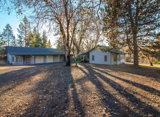 1205 Old Ferry Road, Shady Cove, OR - USA (photo 1)