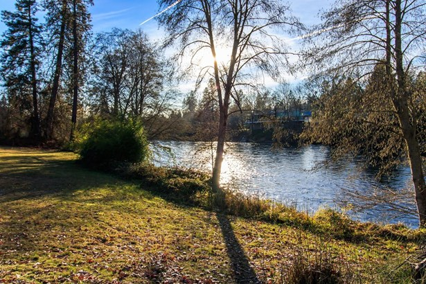 1205 Old Ferry Road, Shady Cove, OR - USA (photo 3)