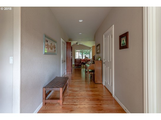 9121 Sw West Haven Dr, Portland, OR - USA (photo 4)