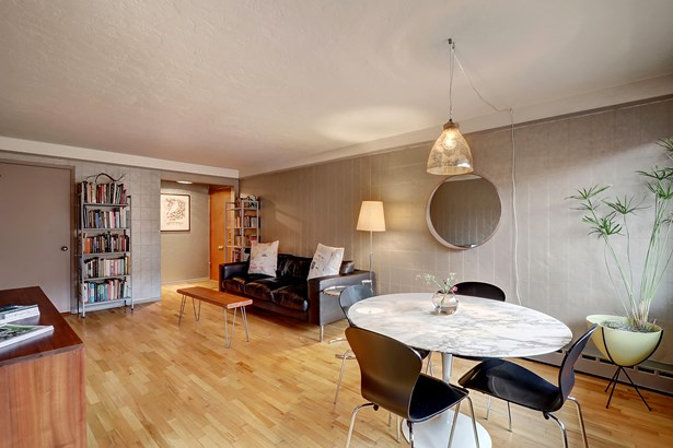 Living Space (photo 5)