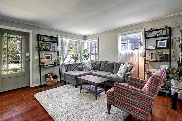 4722 26th Ave Sw, Seattle, WA - USA (photo 3)