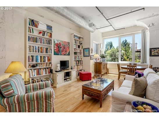 300 Nw 8th Ave 202, Portland, OR - USA (photo 2)