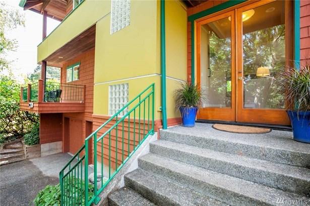 9071 Matthews Ave Ne, Seattle, WA - USA (photo 2)