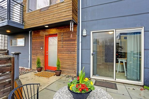 2833 Sw Yancy St, Seattle, WA - USA (photo 2)