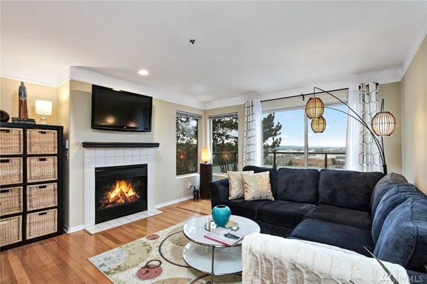 15345 Sunwood Blvd D301, Tukwila, WA - USA (photo 1)