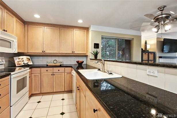15345 Sunwood Blvd D301, Tukwila, WA - USA (photo 4)