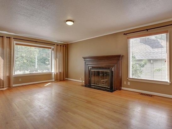 3723 Se Glenwood St, Portland, OR - USA (photo 2)
