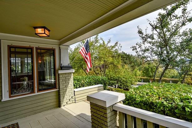 Exterior & Front Porch (photo 2)