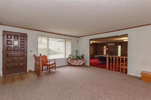 5872 Tamarack Lane, Central Point, OR - USA (photo 4)