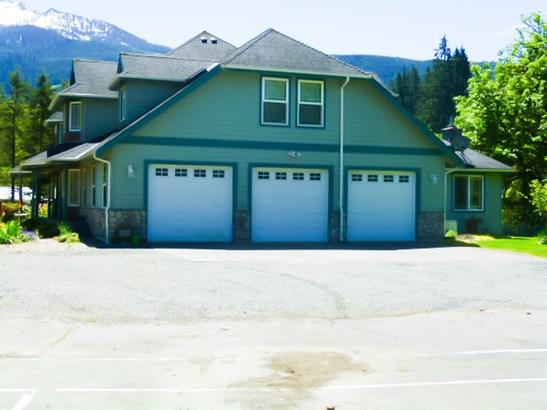 Main House (photo 4)