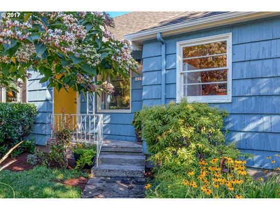 1633 N Sumner St, Portland, OR - USA (photo 2)
