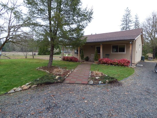 225 Hummingbird Road, Cave Junction, OR - USA (photo 1)