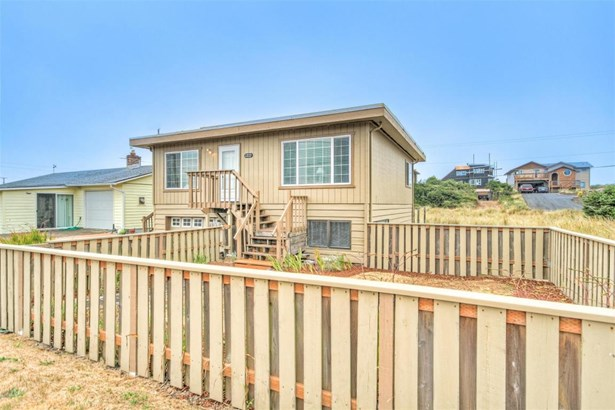 1202 Nw Pacific Way, Waldport, OR - USA (photo 1)