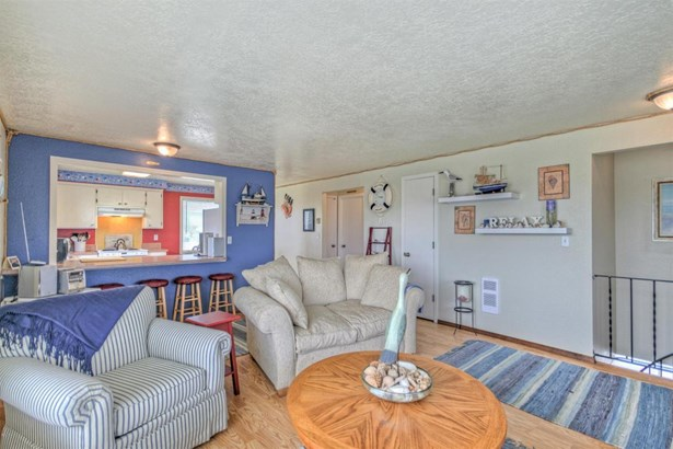 1202 Nw Pacific Way, Waldport, OR - USA (photo 4)