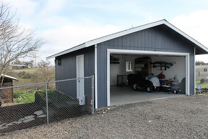 7461 Blackwell Road, Central Point, OR - USA (photo 4)