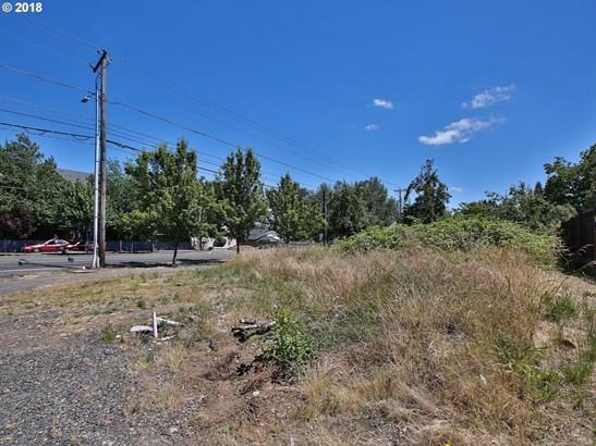 514 Se 204th Pl, Gresham, OR - USA (photo 2)