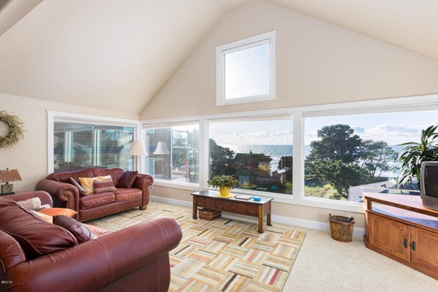 4618 Sw Beach Ave, Lincoln City, OR - USA (photo 1)