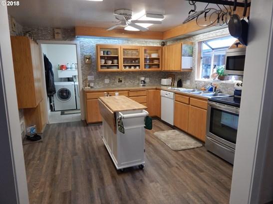 12791 Sutherland Rd, Swisshome, OR - USA (photo 4)