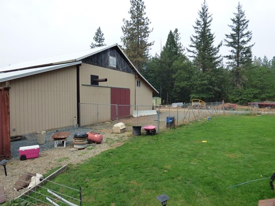 3434 Rockydale Road, Cave Junction, OR - USA (photo 4)