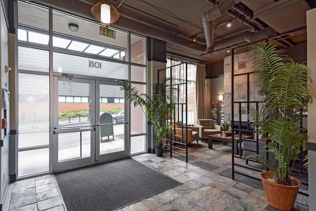 108 5th Ave S 420, Seattle, WA - USA (photo 5)