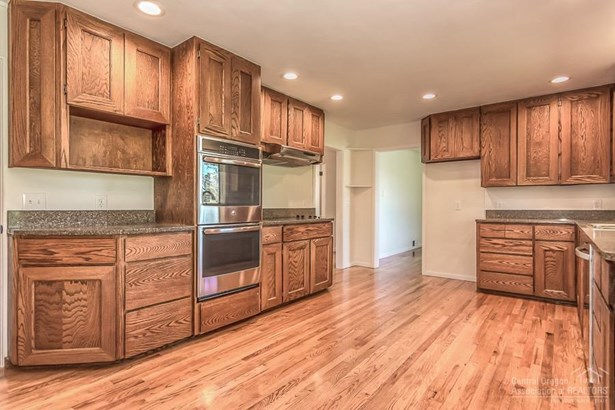 141 Northeast Owens Road, Prineville, OR - USA (photo 4)
