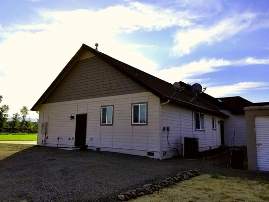 2526 Brownsboro Highway, Eagle Point, OR - USA (photo 4)