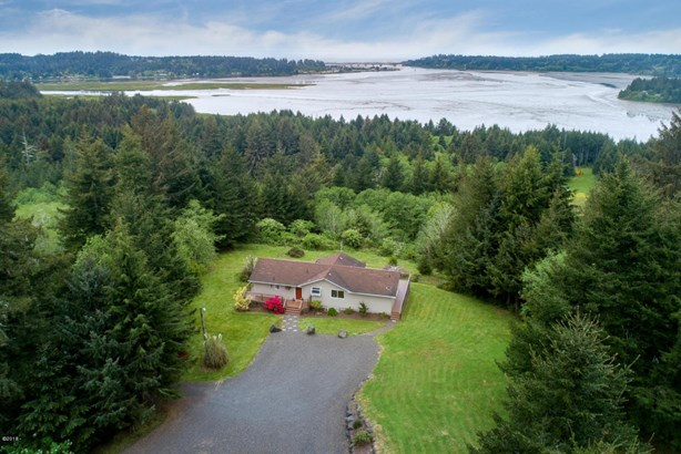 545 N Bayview Ct, Waldport, OR - USA (photo 3)