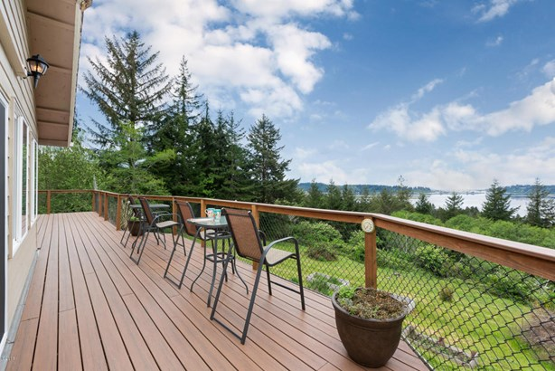 545 N Bayview Ct, Waldport, OR - USA (photo 5)