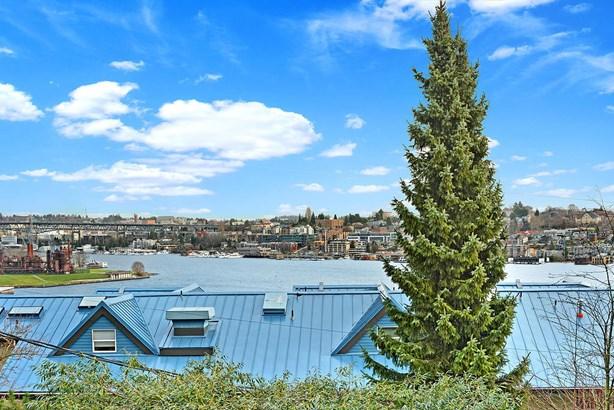 2419 8th Ave N 302, Seattle, WA - USA (photo 2)