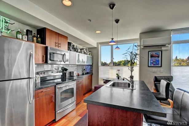 4547 8th Ave Ne 503, Seattle, WA - USA (photo 2)