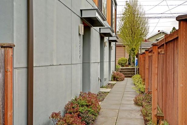 5950 California Ave Sw A, Seattle, WA - USA (photo 3)