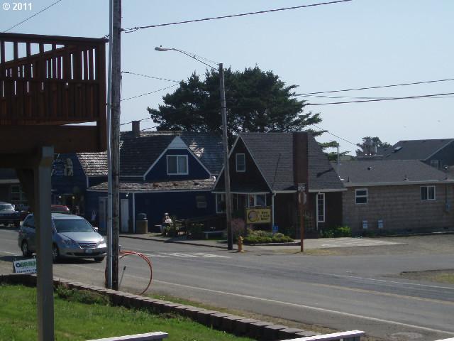 E Chinook, Cannon Beach, OR - USA (photo 4)