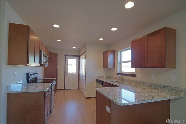 528 E Van Dam Place, Buckley, WA - USA (photo 2)