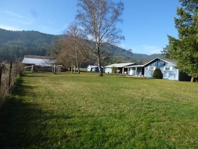 635 W Evans Creek Road, Rogue River, OR - USA (photo 2)